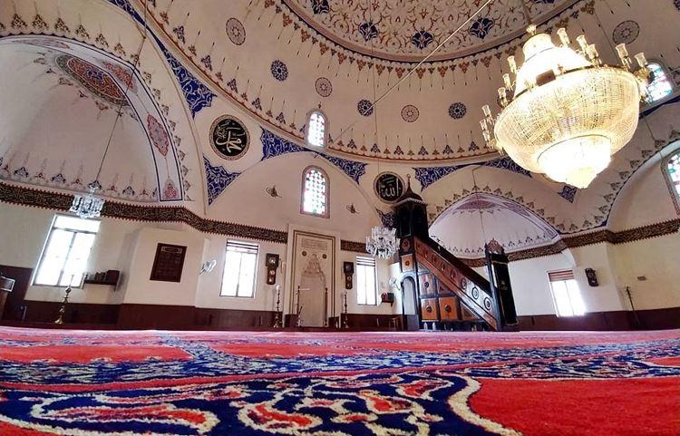 Camilerde Tabure Üzerinde Namaz Kılma Devri Kapandı