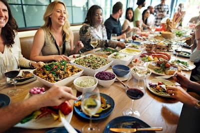 Dining in Singapore -tripswheel