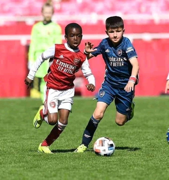 Munir M Sada plays for Arsenal FC |