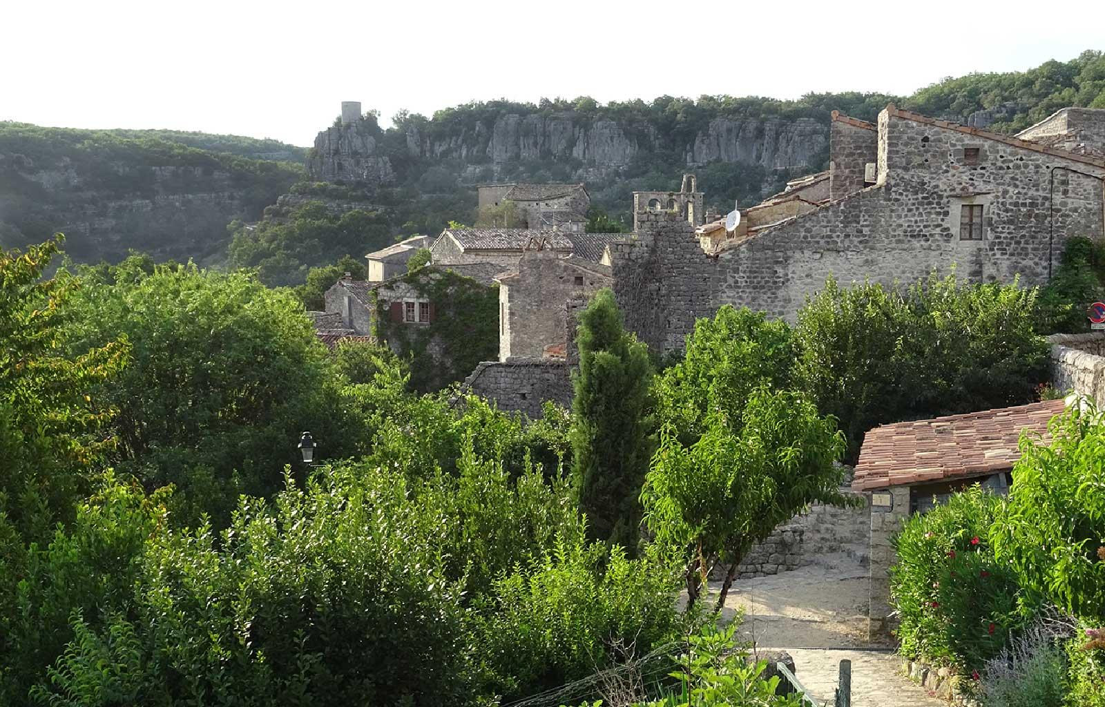 visites bonnes adresses Ardèche village balazuc