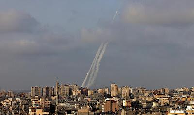 Rakétazápor Gázából • Hetvenből hét rakéta Jeruzsálem felé • A Chamasz fenyeget: újra kezdjük! • A Légierő célzott felszámolásokat hajt végre