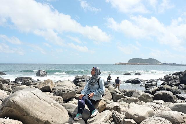 Jeongbang Falls 정방폭포 Jeju Korea Curitan Aqalili