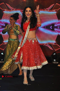 Bollywood Actress Model Sunny Leone Dance Performance in Red Half Saree at Rogue Audio Launch 13 March 2017  0021.jpg