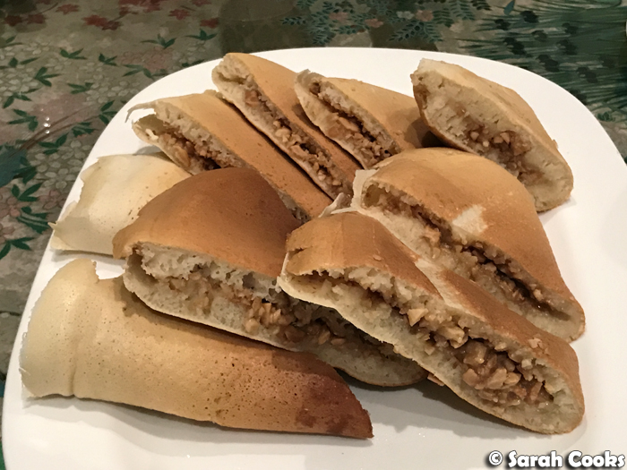 Banh Chang Kueh peanut pancakes