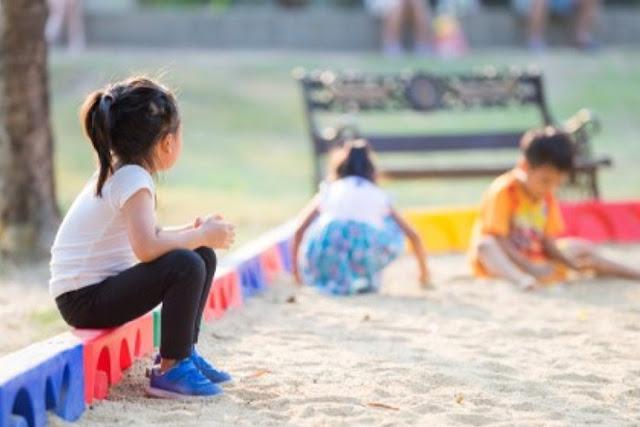 Cara Terbaik Menghadapi Anak yang Memiliki Karakter Pemalu