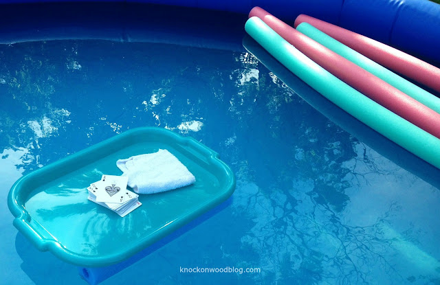 Knock On Wood Diy Floating Table For The Pool