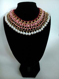 Gargantilla para boda: cadenas, lazos y perlas DIY