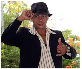 Cantor Paulynho Paixão morre em grave acidente de moto.