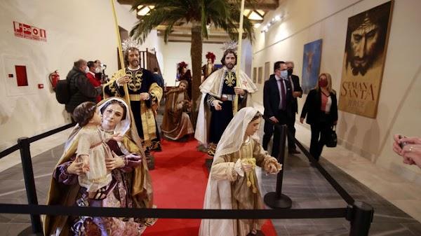 Asi es la Exposición 'Cofradías, la huella del tiempo en Jerez'