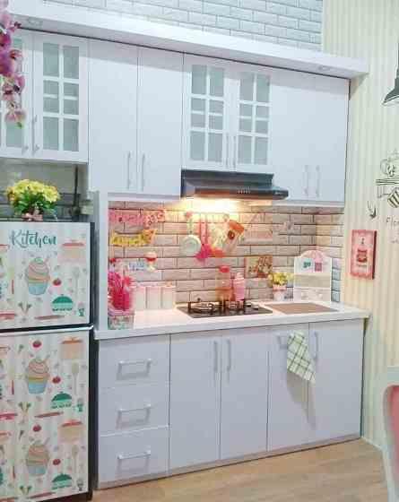 warna dan hiasan ruangan dapur minimalis