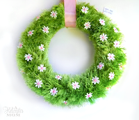 http://ahelicoptermom.com/spring-wreath-make-it-monday