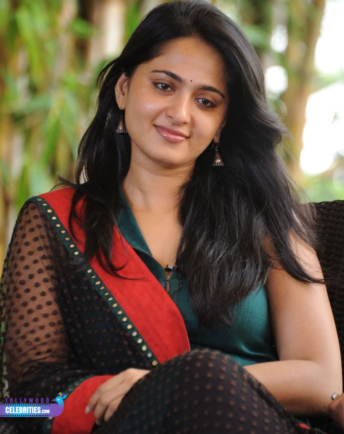 Anushka Shetty Profile Biography Family Photos and Wiki ...