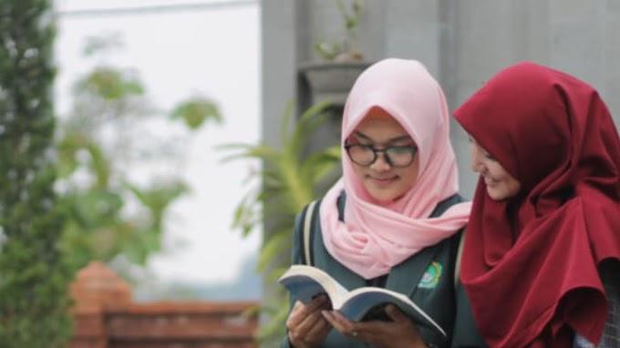 55 Mahasiswa Mahasiswi Beasiswa Telah Sukses Menyelesaikan Pendidikan S1 dan S2 Di IKHAC Berkat Pergunu Bali