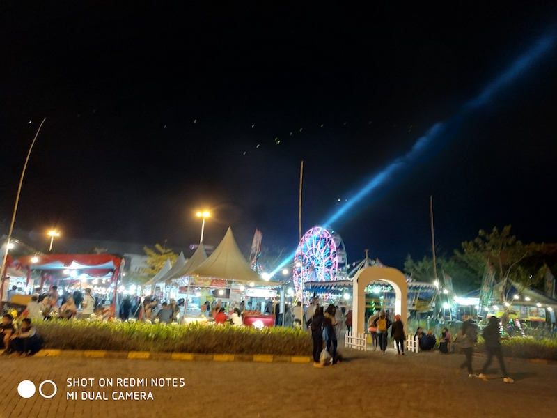 Menjajal Kuliner Pasar Malam di Sentra Niaga The Park Solo Baru