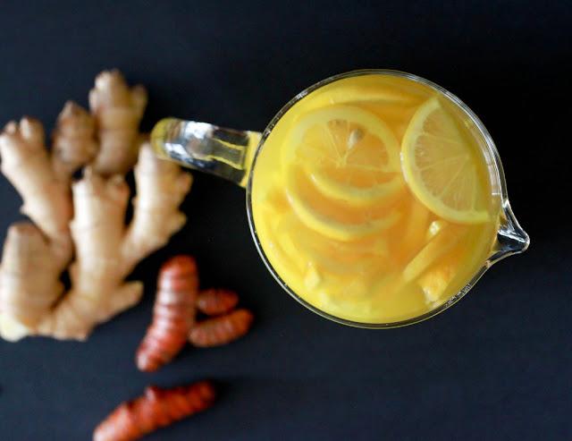 infusion magique citron gingembre curcuma un lixir m dicinal parfait pour le bien tre. Black Bedroom Furniture Sets. Home Design Ideas