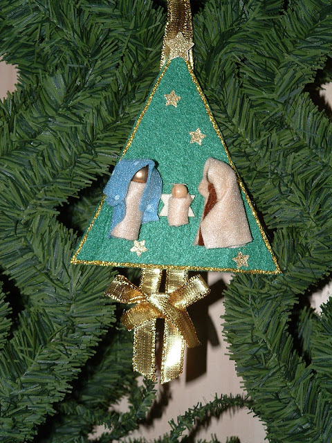 Il bruco lavoretti natalizi per scuole primarie e dell for Cartelloni di natale per la scuola dell infanzia