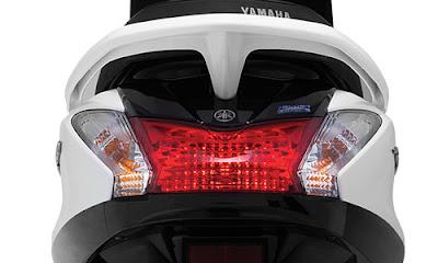 2016 Yamaha Acruzo 125cc taillight