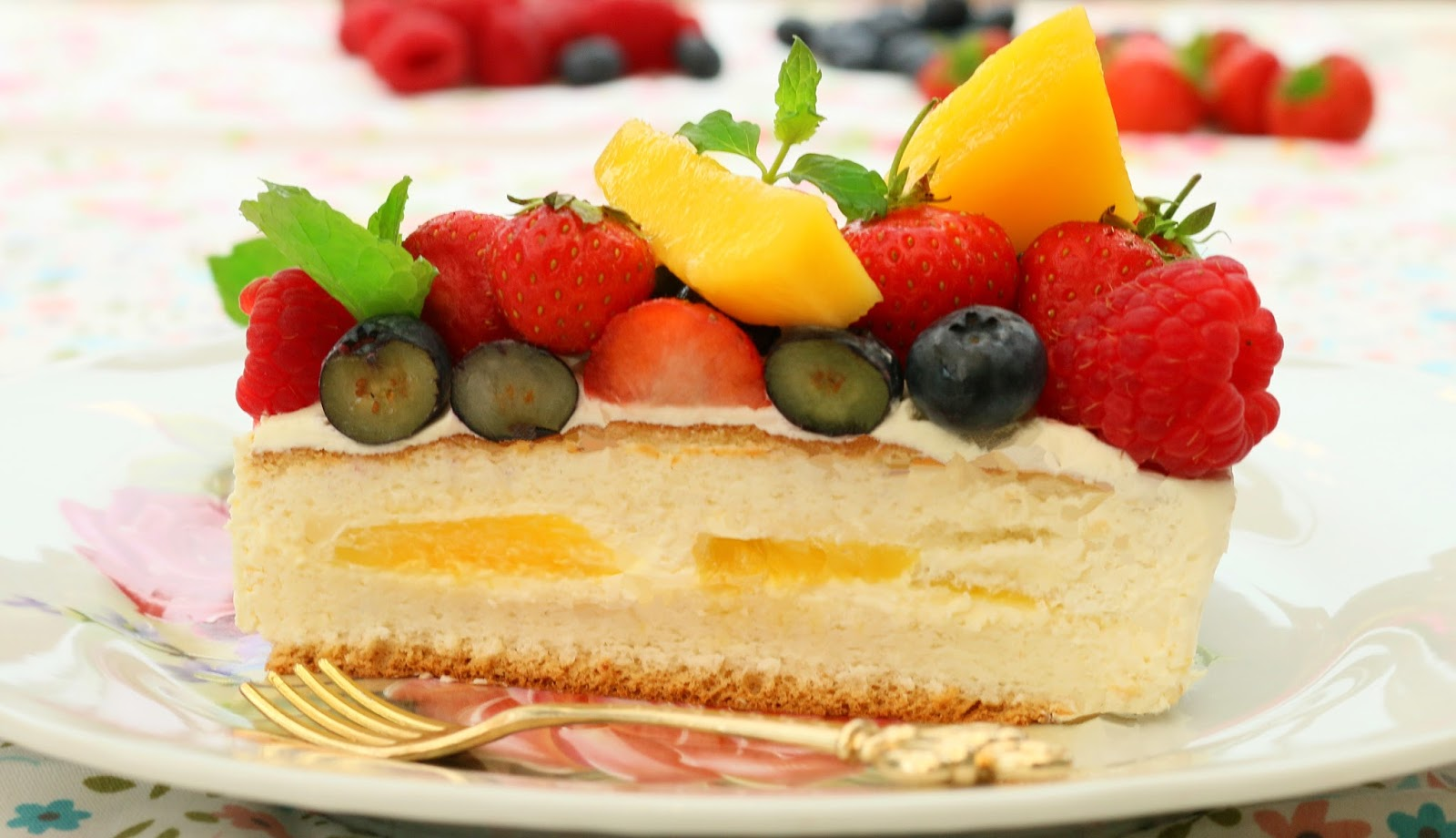 Wow A Mixed Fruit Cream Cake Nearly As Impressive Baked One Place The Fresh Mangos Onto And Top With Heavy
