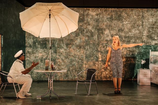 Donizetti: Rita - Chuma Sijeqa, Laura Lolita Perešivana - Guildhall School (Photo © Mihaela Bodlovic)