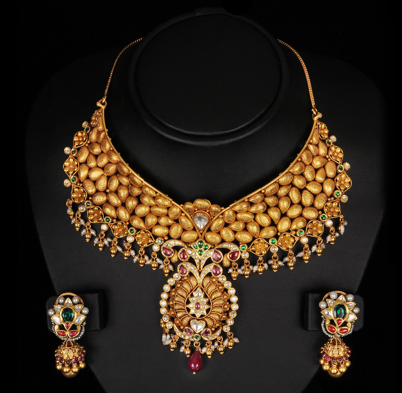 indiangoldesigns.com: Beautiful antique Bridal Necklace ...