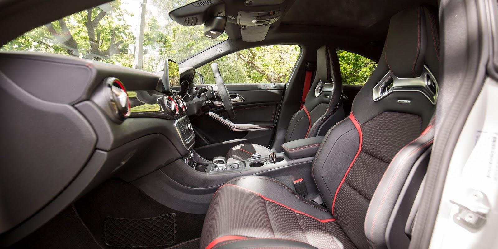 Khoang lái của cực đậm chất AMG, và trông quá thể thao, cá tính