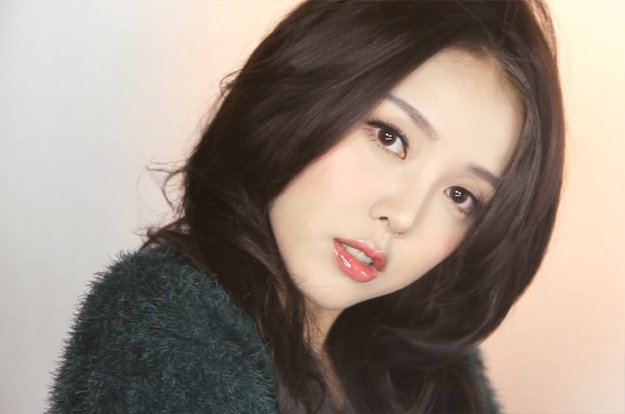 ... wajah para wanita Korea. Padahal nggak cuma no makeup makeup look aja  lho yang menjadi khas mereka ac8fae3c7a