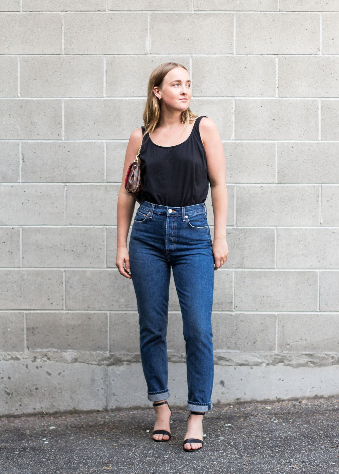 AGOLDE riley high rise straight crop in air blue denim jeans - Outfit