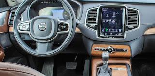 Review Volvo XC90 2019: Steering wheel