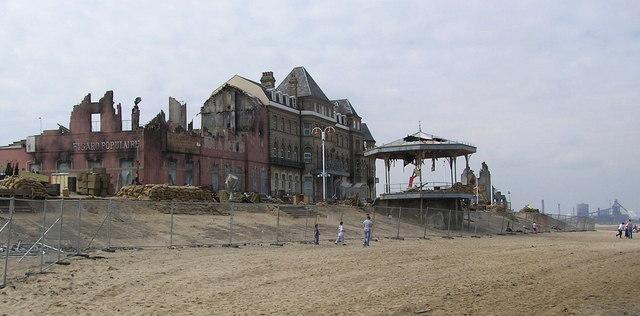Atonement-Dunkirk-set