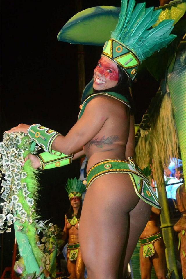 A carioca desfilou com pouca roupa na Sapucaí. Foto: Arquivo pessoal