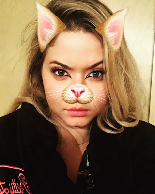 Sasha Pieterse (Alison) as a cat PLL bts filming 7x05 and 7x06 night shoot