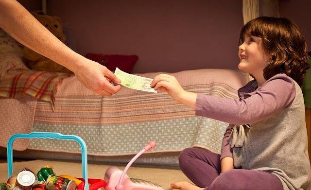 Beri Imbalan Atas Pekerjaan yang Dilakukan Anak Anda via huffpost.com