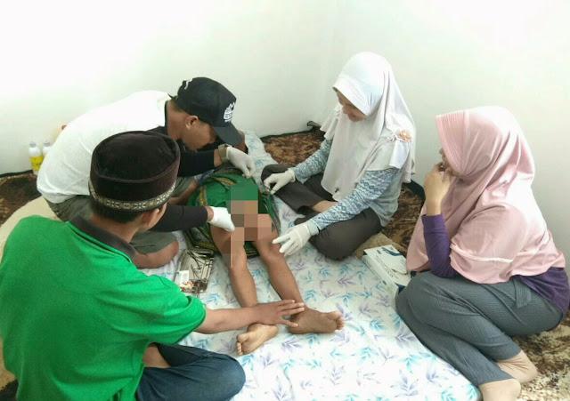 Bersama Lembaga Yatim Piatu 'Baitul Maqdis', Klinik Dewi Putussibau Gelar Sunatan Massal
