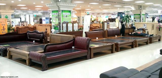 Camas y sofás de piedra de Corea