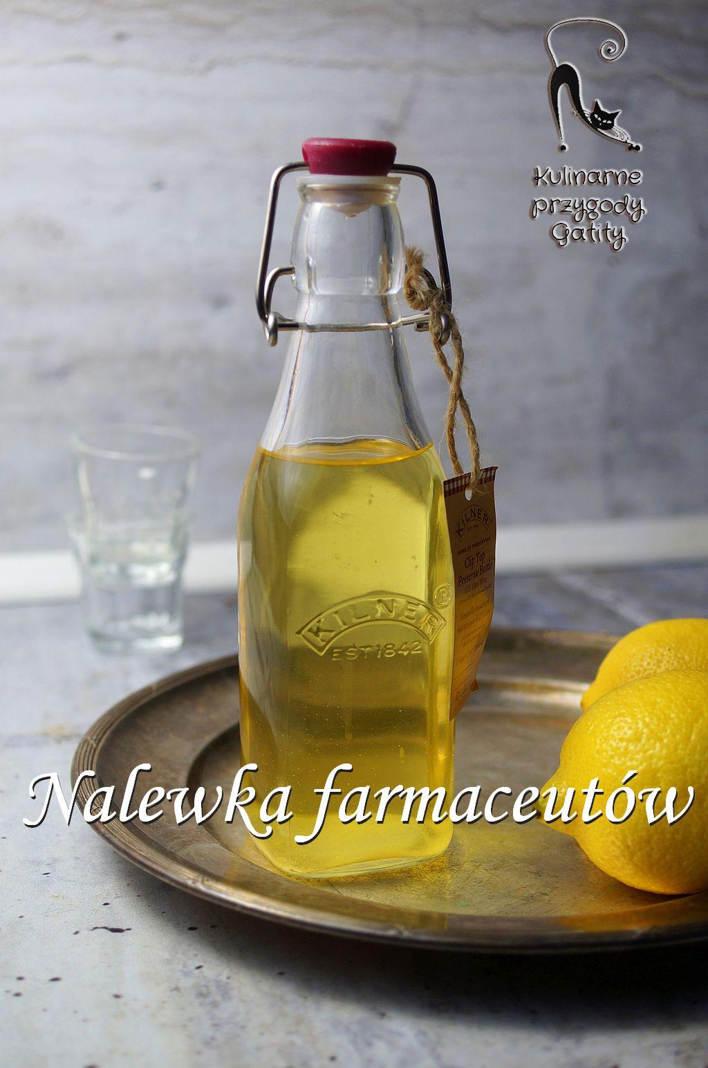 zolty-napoj-w-butelce