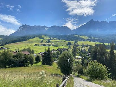 "View on the walk ""Tru dles viles"" - toward the Dolomiti Orientali di Badia."