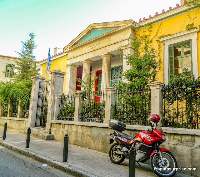 Escola pública no bairro de Pláka, Atenas