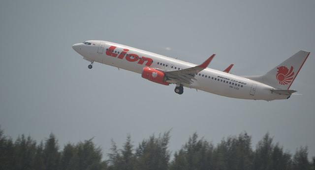 كانت تحمل 188 شخصا السلطات الإندونيسية تعلن تحطم طائرة ركاب وسقوطها في البحر