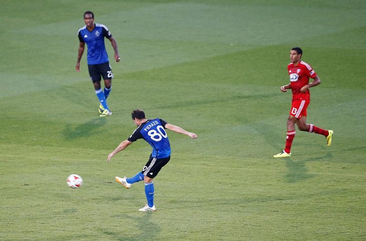 San Jose Earthquakes midfielder Jean-Baptiste Pierazzi shoots to score against FC Dallas