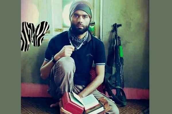 7 लोगों के हत्यारे इस आतंकवादी को देखकर बोले लोग 'कुरान के साथ ही क्योंकि दिखते हैं आतंकी'