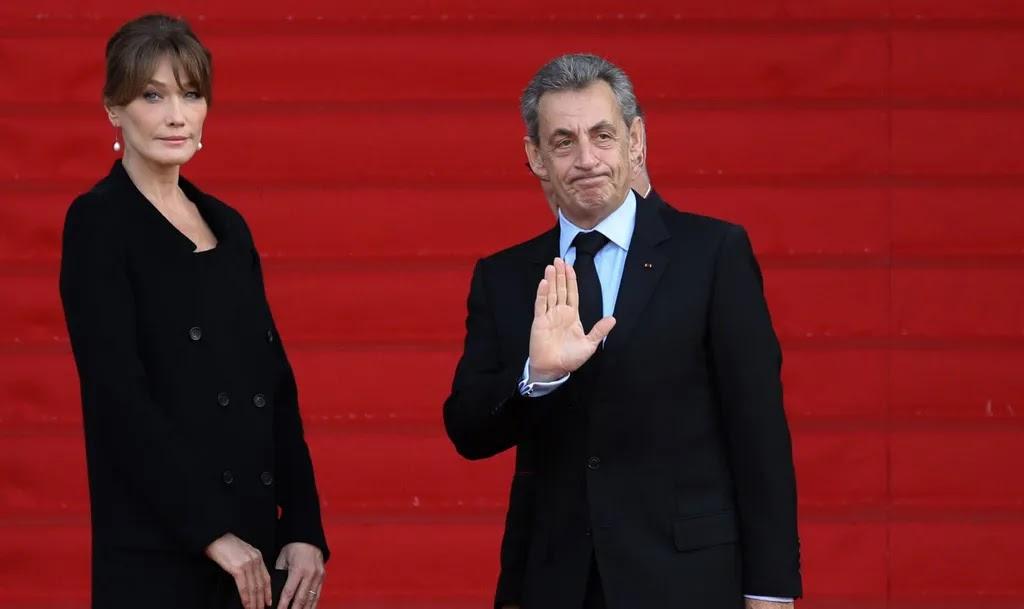 En plein direct de Carla Bruni, Nicolas Sarkozy s'incruste et crée la surprise