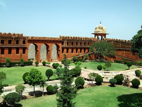 Jaigarh Fort Tourist Attraction Place  Amer Jaipur Rajasthan
