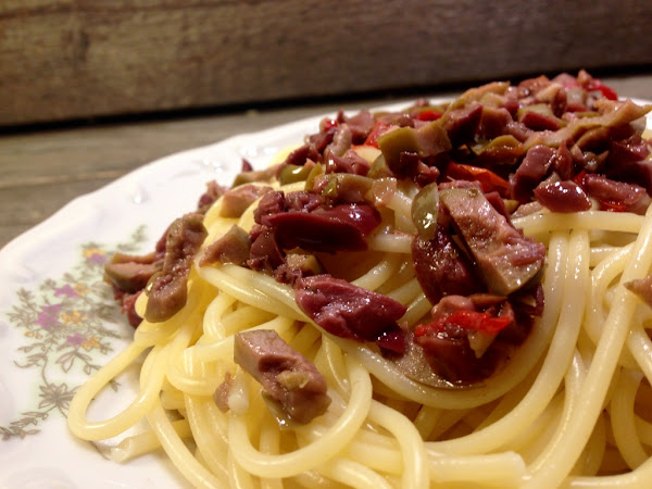 Спагети Aglio e Olio с маслини