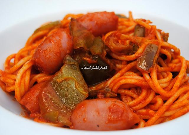Espaguetis con Salchichas de Pollo