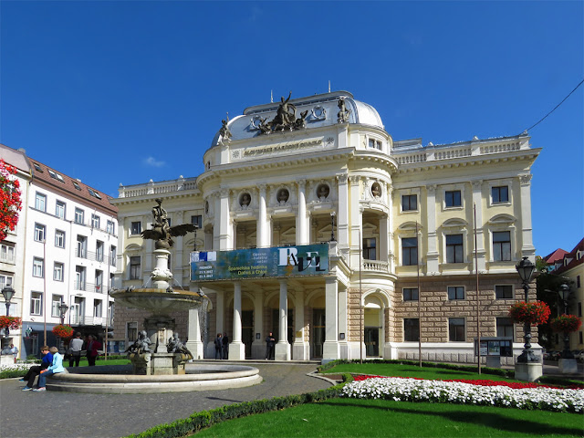 Slovenské národné divadlo, Slovak National Theater, Hviezdoslavovo námestie, Staré Mesto, Bratislava