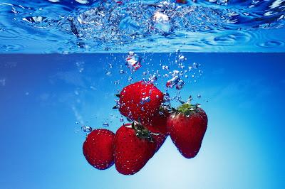 Fresas en el agua