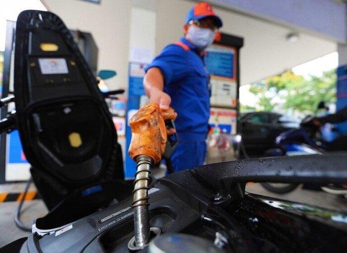 Giá xăng tiếp tục giảm sau ngày 1-9-2021