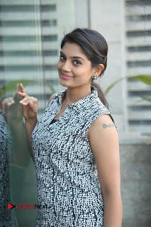 Telugu Television Actress Karuna Latest Pos In Denium Jeans  0072.JPG