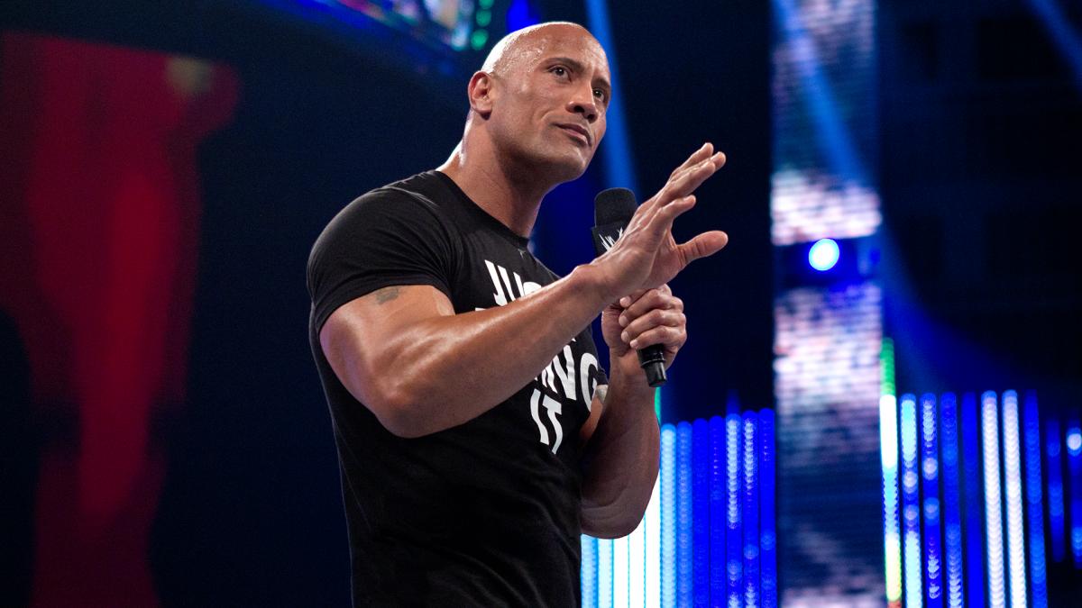 WWE está em constante contato com The Rock