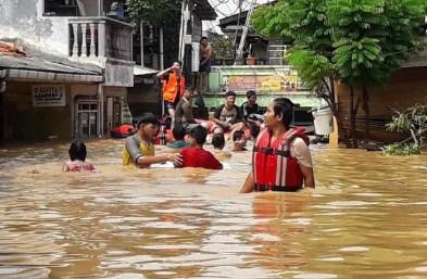 14 Arti Mimpi Melewati Tempat yang Banjir Menurut Islam dan Primbon Jawa